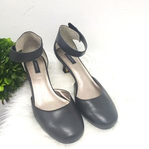 Array Charlie Leather Round Toe Pump in Black Size 7.5 WIDE